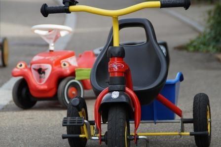 childrens-vehicles-187558_640.jpg