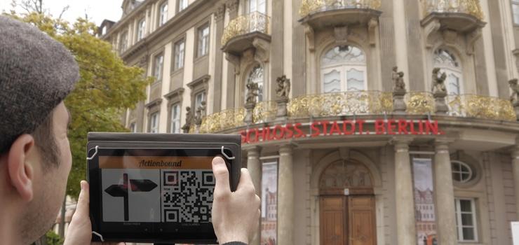 Jugendliche bei der Präsentation ihrer Bounds für das Stadtmuseum Berlin
